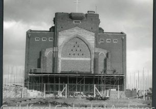 Commencement of Nave building